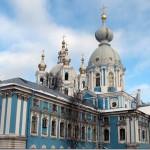 Отреставрированы купола Смольного собора