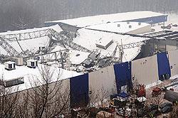Обрушение кровли выставочного павильона в Польше унесло жизни 67 человек
