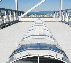 Надежные и стабильные конструкции фонарей  для крупнейших европейских ангаров