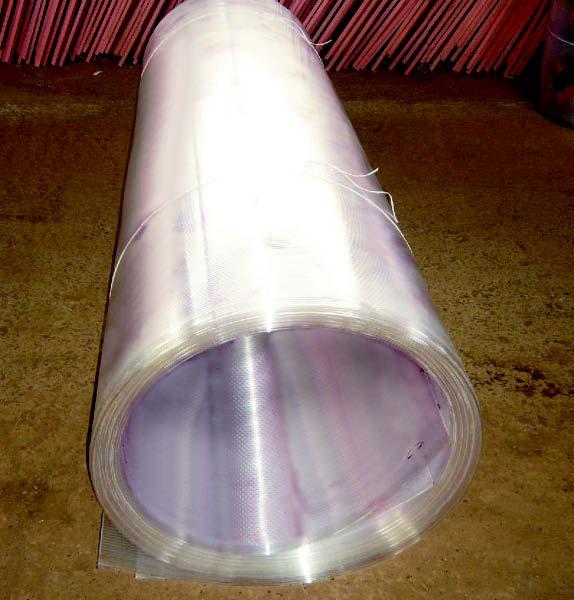 «Рулонный» поликарбонат – пример неправильного хранения материала
