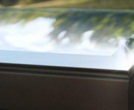 Velux представляет: изогнутое защитное стекло для зенитных фонарей