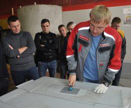 Кровельщикам Подмосковья обещают документ о повышении квалификации с печатью Минстроя РФ