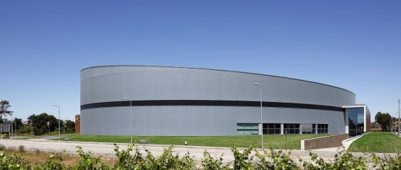 Титан-цинк для необычного спортивного комплекса в Португалии