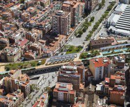 Сады на крыше железнодорожной ветки в Барселоне