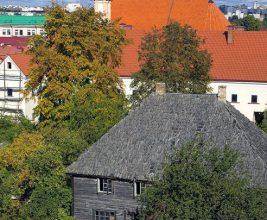 Начата реставрация крыши на самом старом деревянном здании Беларуси