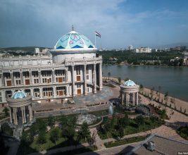 В Душанбе унифицировали цвет городских крыш