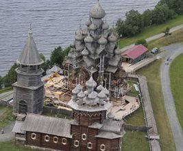 Знаменитую церковь в Кижах отреставрируют к концу года
